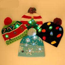 Świąteczna czapka z diodami LED