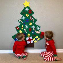 Świąteczne drzewko z ozdobami na rzepkach idealne do zabawy z dziećmi.